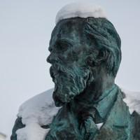 """Достоевски: """"Луѓето стигнаа дотаму што натрупаа повеќе предмети, а имаат малку радост!"""""""