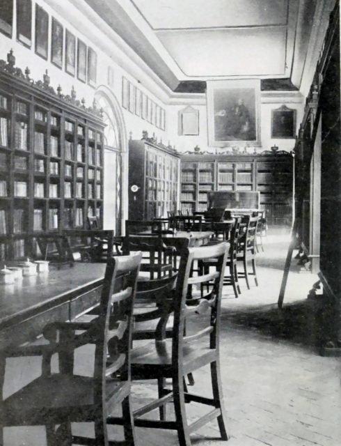 bibliotheca_columbina_interior-490x640-1